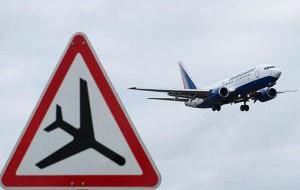 Российские авиакомпании отменяют рейсы за границу