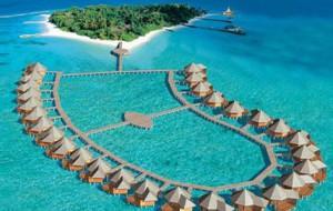 Волшебная свадебная церемония в Baros Maldives