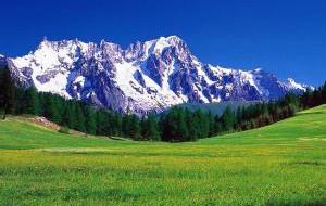 Италия: Червиния открыла сезон летнего катания на лыжах