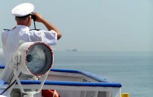Капитанам круизных лайнеров запретили пожимать руки пассажирам