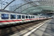 Наплыв беженцев привел к проблемам с международными поездами в Европе