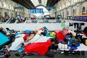 Как не столкнуться с беженцами во время путешествия по Европе