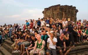 Главный храм Камбоджи приструнил туристов