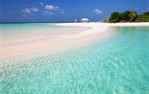Отели Мальдив привлекают туристов бесплатным перелётом