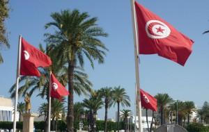 Правительство Туниса продлило чрезвычайное положение в стране