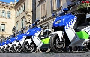 В Барселоне орудует банда лже-полицейских, обирающих туристов