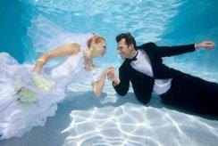 В Монако проводятся подводные свадьбы