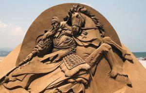 Выставка песчаных скульптур — летняя достопримечательность Санкт-Петербурга