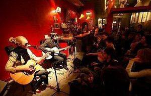 Испания: Рестораны и бары Барселоны переходят на живую музыку