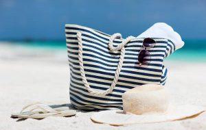 В Каннах большие пляжные сумки под запретом