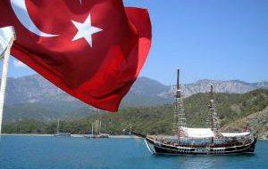 Ростуризм призвал не торопиться с поездками в Турцию
