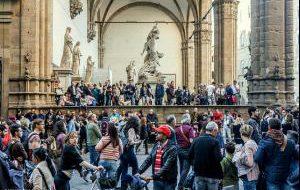 Италия: Флоренция просит установить лимит на количество туристов