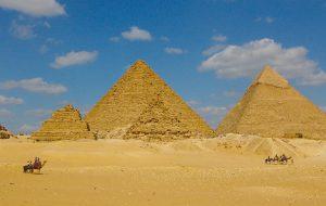 Управлять египетскими пирамидами будут частные компании