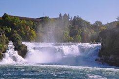 Экскурсии к Рейнскому водопаду в октябре — за полцены