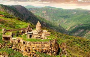 Летом в Армению пустят по внутренним паспортам