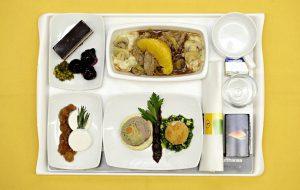 Delta возобновит бесплатное питание на дальних рейсах внутри США