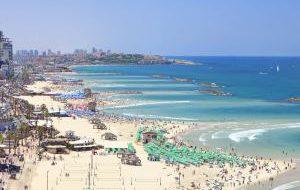Израиль открывает официальный пляжный сезон