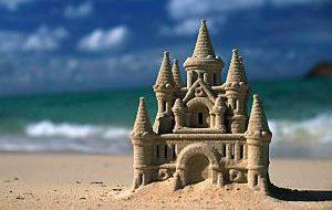Замки из песка попали под запрет на пляжах Испании