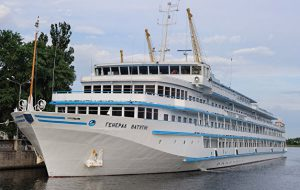 В АТОР рассказали о будущем круизного лайнера «Генерал Ватутин»
