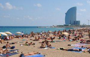 Пляжи Барселоны готовы к большому заплыву