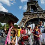 Названы города и страны, где туристам уже не рады