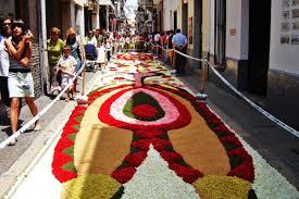 Фестиваль цветов в Барселоне