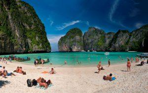 В Таиланде все-таки закроют знаменитый пляж на Пхи-Пхи