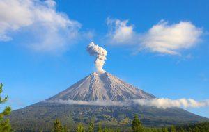 Минтуризма Индонезии о ситуации с вулканом Мерапи