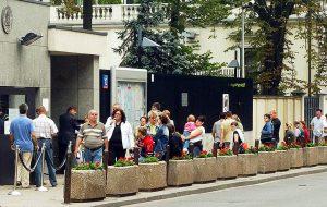 Успеют ли россияне уехать в Европу в мае? Ситуация в визовых центрах