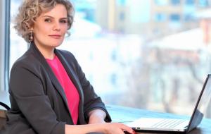 Анна Филатовская назначена директором департамента рекламы и PR холдинга «Русский Экспресс» Елена Калиновская