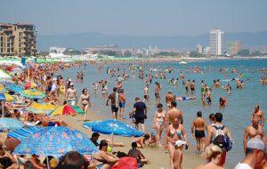Насколько безопасны были болгарские пляжи и бассейны в этом сезоне, выяснится в конце августа