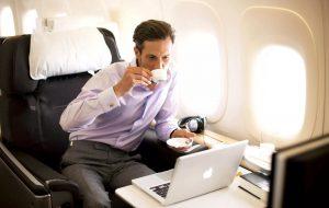 Деловые путешественники чаще выбирают бизнес-класс на международных рейсах