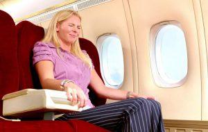 Жевать или не жевать? Опытный врач дал важные советы авиапассажирам