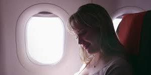 Названо важное преимущество места у иллюминатора в самолете