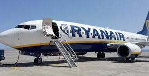 «Райанэйр» требует от пассажиров доплаты из-за авианалога в Германии