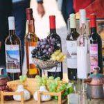 В аэропортах Грузии иностранцам вновь раздают вино
