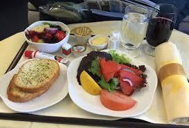 В самолетах авиакомпании «Россия» будут подавать горячие бутерброды из русской печи