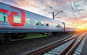 Добраться в Крым первым поездом стоит дороже, чем самолетом