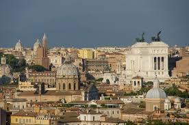 Власти Рима намерены закрыть все сувенирные лавки в центре города