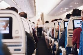 Эксперты рассказали, почему нельзя пользоваться карманом в сиденье самолета