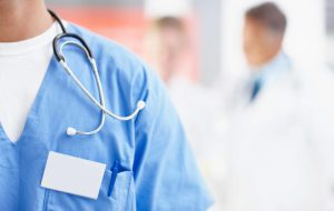 Страховщик рассказал про первые страховые случаи за границей по коронавирусу