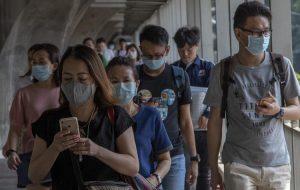 Если режим ЧП в Таиланде продлят, 10 000 туристов так и не смогут улететь домой