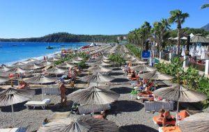 Турецкие курорты ждут прилета россиян в июле. Справки и тесты не потребуются
