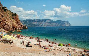 Крымские пляжи будут готовы к приему туристов к 1 июля