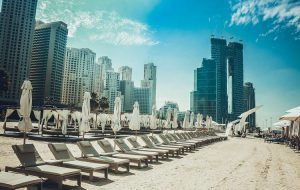 На каких условиях ОАЭ готовы принять туристов из России уже 1 августа?
