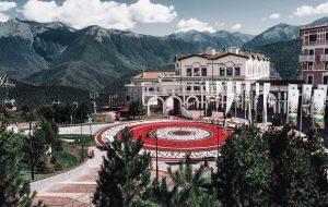 В горах Красной Поляны восстановили роспись Покраса Лампаса