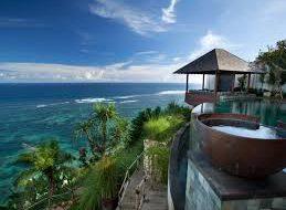 Бали может открыться для туристов из-за рубежа в начале 2021 года