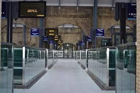 Перелеты в Великобританию запрещены. Что ждать пассажирам в ближайшее время?