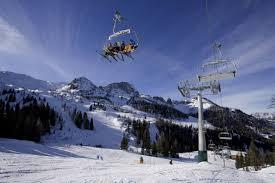 Новый год и зимние каникулы в Черногории: как приехать, правила и ограничения