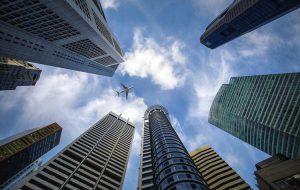 Сингапур вводит обязательное тестирование на COVID-19 для всех въезжающих в страну